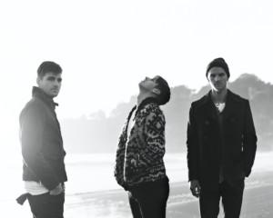 Foster The Peopleの新作MVが公開!彼らの持つ「熱」が垣間見えるダンス・チューン!