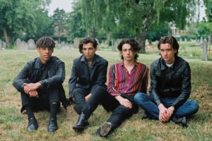 Noel Gallagherがプッシュしたバンド、Inhalerの最新MV「Fade Into You」公開!