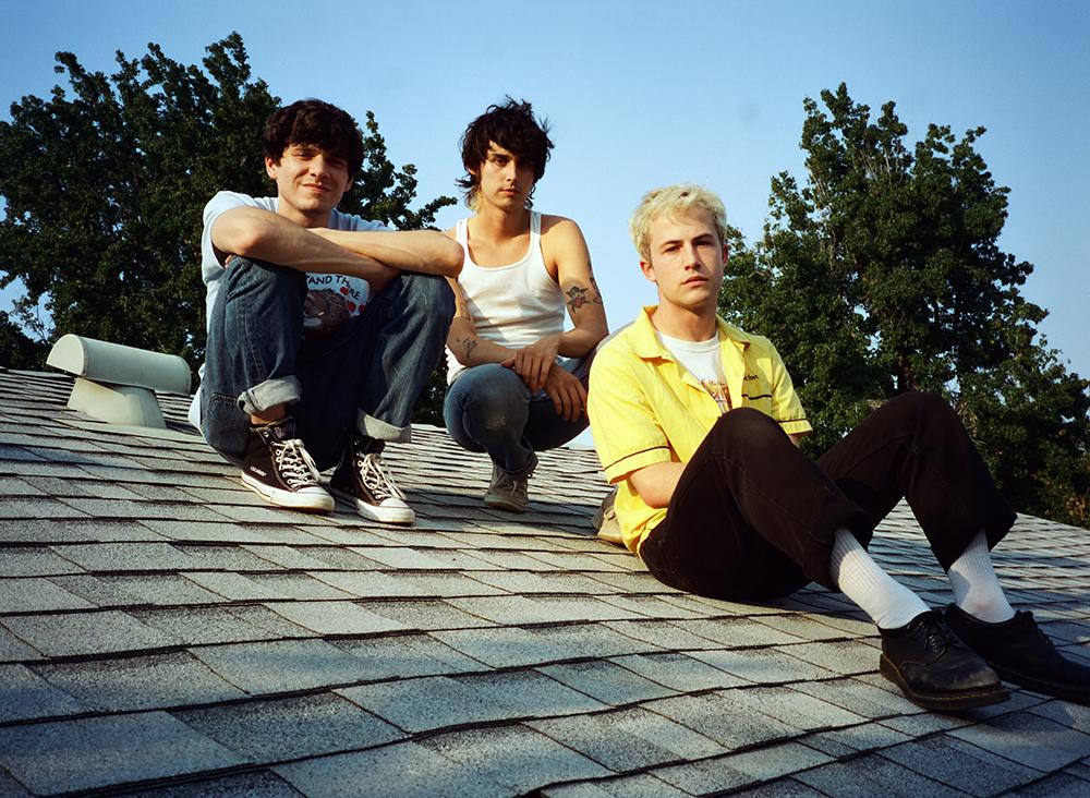 LAのオルタナロックバンドWallows、新作EP「Remote」をリリース!