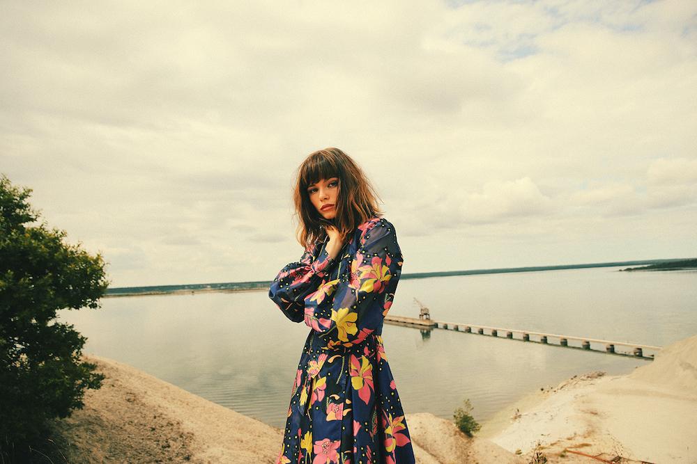 スウェーデンのSSW・Winona Oak、今年2枚目となるEP「SHE」をリリース!