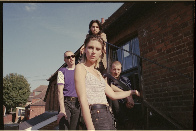 Wolf Alice、最新作「Blue Weekend」は新たな章の始まりを予感させる1枚